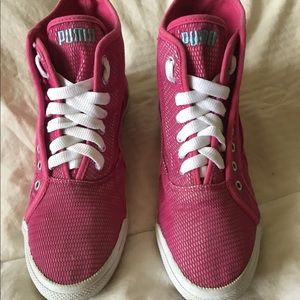 Women's Puma hi top pink sneakers size 7